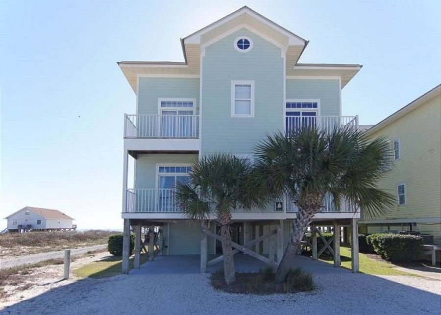Beachfront rental in Gulf Shores with gulf-view balconies