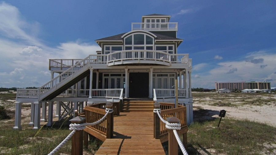 Beachfront rental offers incredible views of the Gulf of Mexico