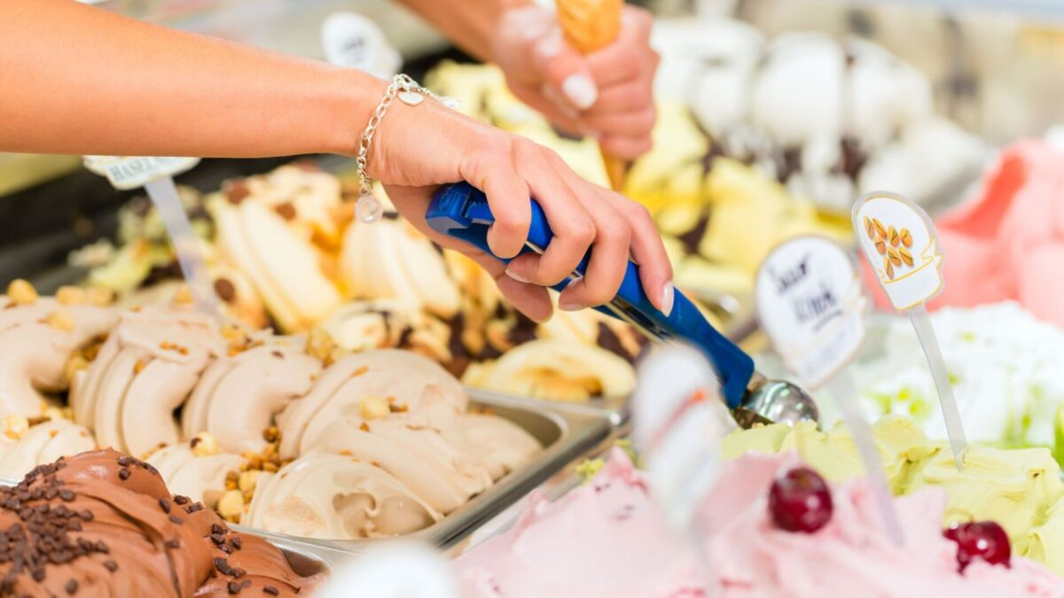 Tasty looking ice cream being scooped near our Gulf Shores beach rentals