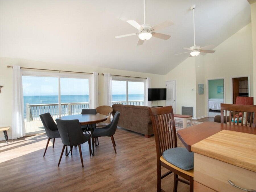 THe beautiful living room of our Fort Morgan gulf front rentals